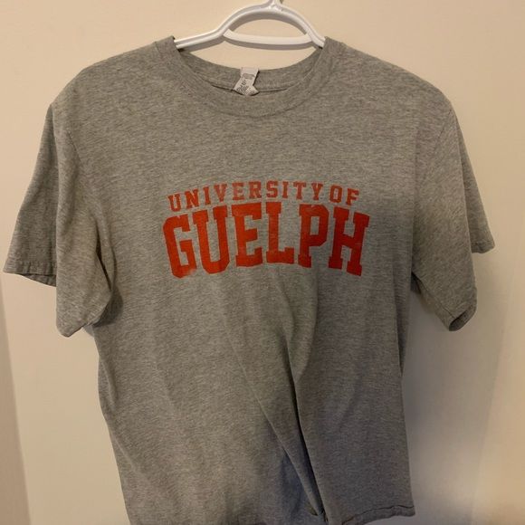 University of Guelph grey t-shirt